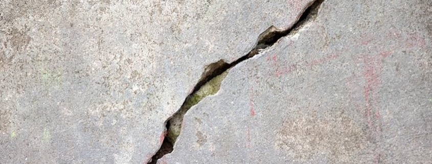 Fixing Cracks In Walls Before Painting